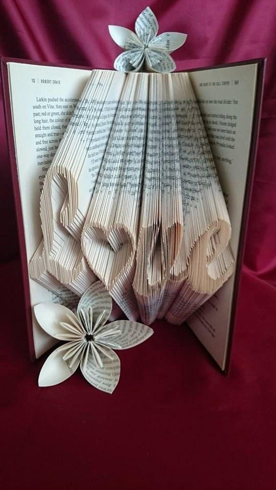 Livre pliage modèle pour Love avec un cœur par BookFoldingForever