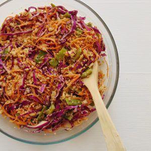 10 Recetas de salsas caseras saludables - Tasty details Salsas Light, Salad Sauce, Quinoa, Falafel, Cabbage, Salads, Easy Meals, Vegetables, Healthy