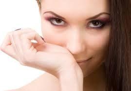 Запах для Вашего УСПЕХА Нос никогда не спит, а вот большинство из нас продолжают дремать, когда дело касается осведомленности об окружающих нас запахах. Мы склонны обращать внимание только на самые сильные и резкие запахи, но все же именно они являются единственными сенсорными ощущениями, которые проникают внутрь нашего тела. Запахи передают сообщения в глубь нашей души …