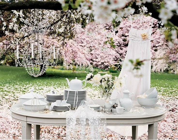 White Fluted Half Lace wedding setting
