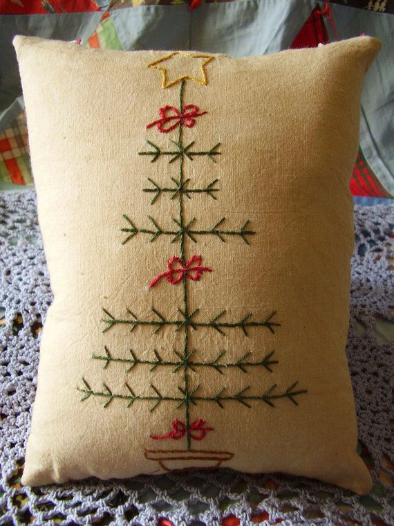 Christmas Tree Pillow - like this idea - I think I am going to do this - using the photo as a model. I love the yarn embroidery. very cozy.