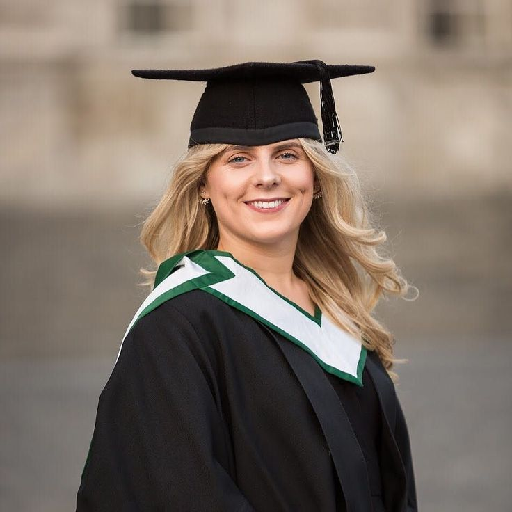 Happy graduation day to Tara! The world is your oyster  #graduateportraits #portraitphotography #trinitycollege #dublinphotographer #watchoutworld
