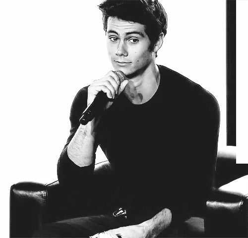 Nerd HQ The Maze Runner panel 2013 - Dylan winking at a fan--I would die. Simply put, I would die and be forever done with life because that man is a beautiful beautiful man.