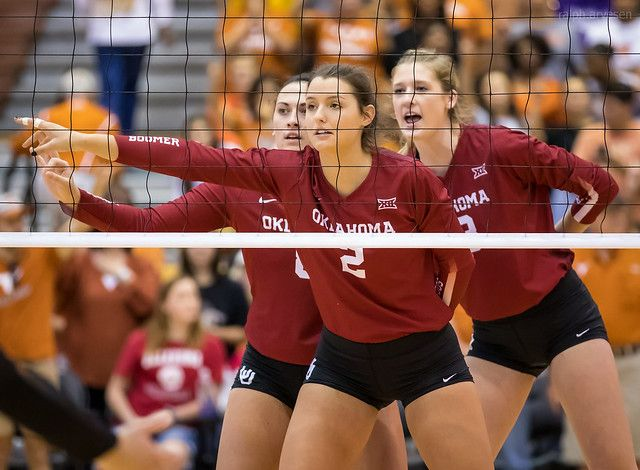 Volleyball Skills For Digging A List Of 9 Volleyball Basic Dig Steps Volleyball Skills Female Volleyball Players Volleyball