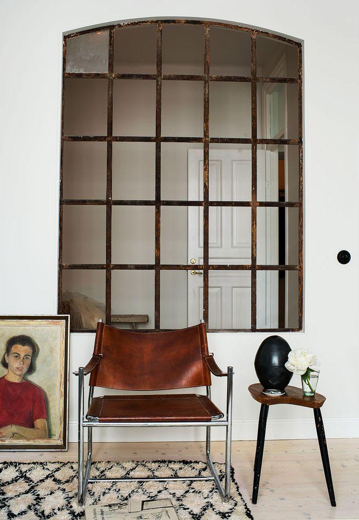I ett snart hundraårigt hus vid Hornstull har Angelica Grimborg skapat en mysig minitrea till sig och dottern Evy.