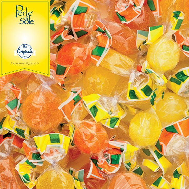 """Gli aromi e i sapori del Mediterraneo sono racchiusi nelle nostra linea di caramelle, dove il succo di limone e arancia mescolato con lo zucchero dà vita alle nostre """"delizie"""". #PERLEDISOLE www.perledisole.com"""