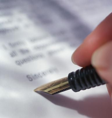 signatureletter.jpg - Copyright Stockbyte / Getty Images