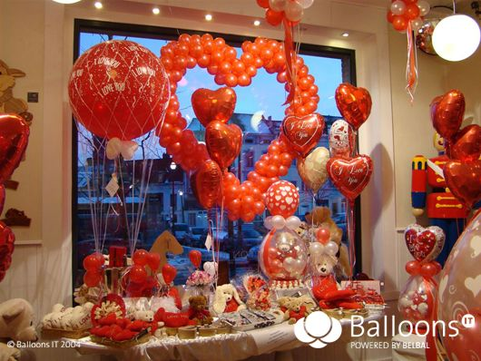 For all those planning to open or redevelop a Balloon Shop, BalloonsIT have decided to open a 'Balloon Shop Gallery'. This is a great opportunity to share your experience and provide useful information to enhance the professionalism of our readership. We invite you to send your pictures, all pictures are welcome, for example; shop windows, storage and of course, your staff. To have your Balloon shop pictures included in the gallery, please send it via email to the Technical Editor: &...