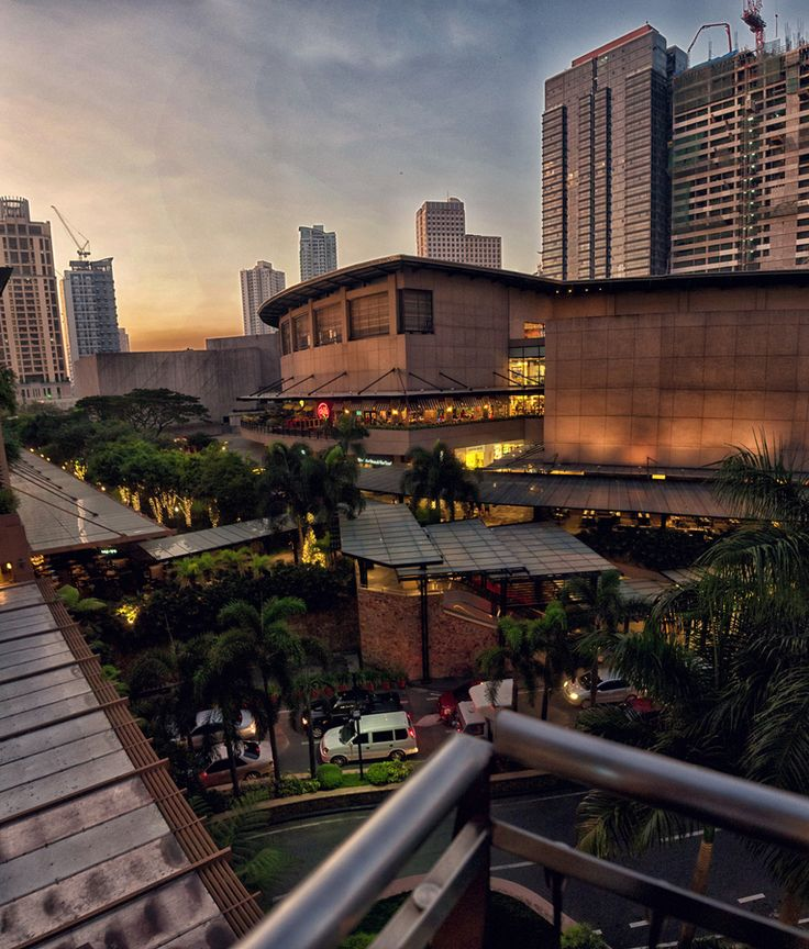 the upper class city in Manila  Makati | PHILIPPINES