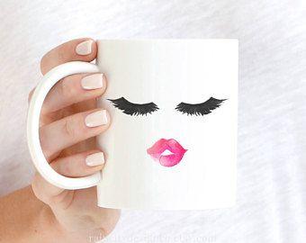 Lèvres et cils Mug, Mug cils, maquillage Mug, cadeau de demoiselle d'honneur, Mug cadeau, Mug fille, maman Mug, maquillage pinceau tasse, cadeau pour elle, une tasse de café cadeau