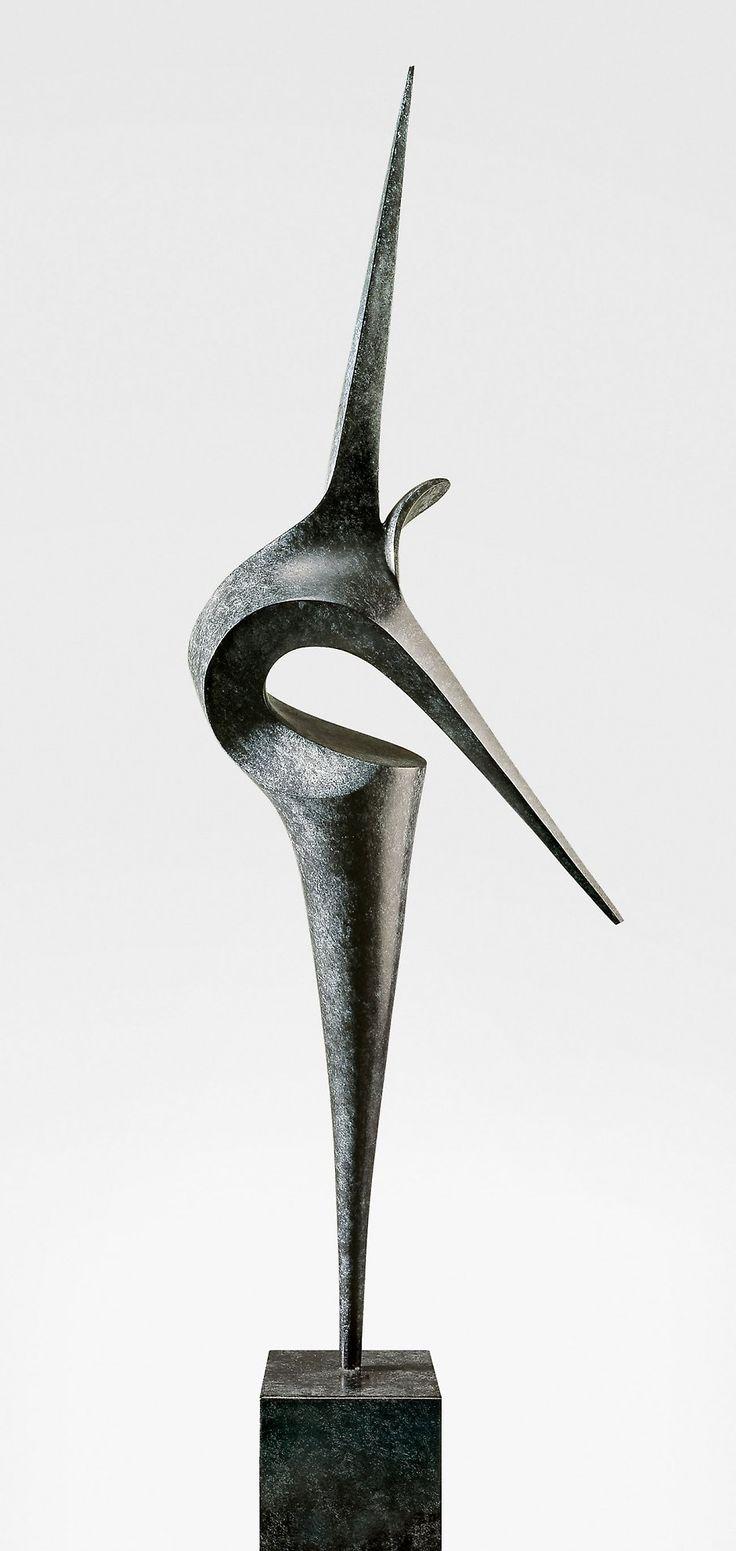 Envol, sculpture contemporaine de Marion Bürkle, bronze patiné 79 cm