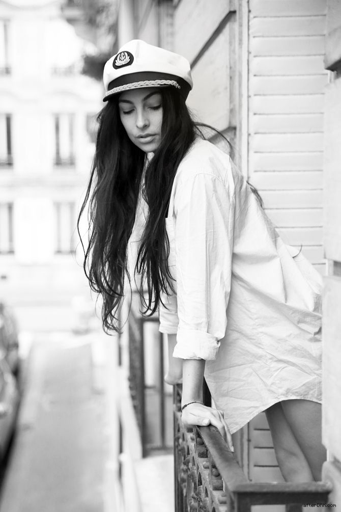 WAKING UP IN PARIS - Anna Nooshin by Sabrina Meijer/afterDRK