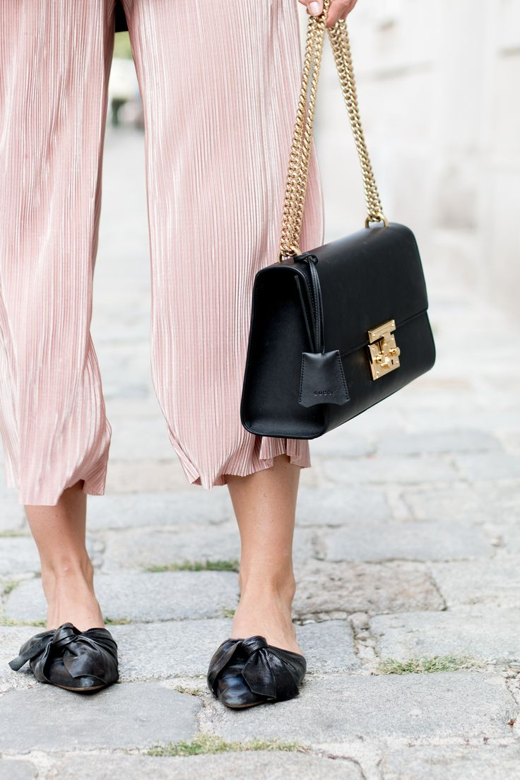 Editor's Pick: Slip On! – The Daily Dose | bow slippers, plissee culottes + black gucci padlock bag