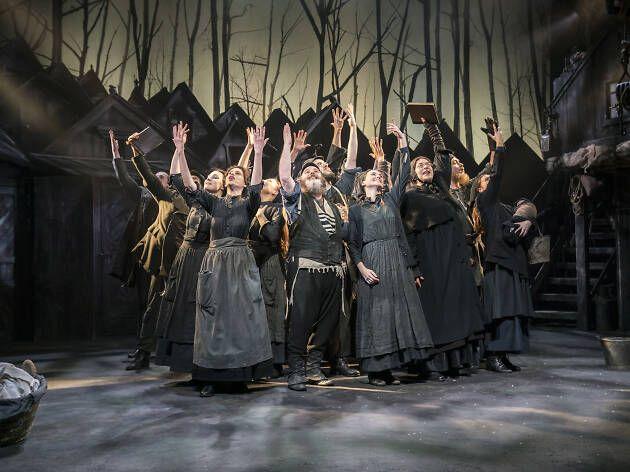 Reviews Of Fiddler On The Roof In 2020 Fiddler On The Roof Playhouse Theatre Theatre Reviews