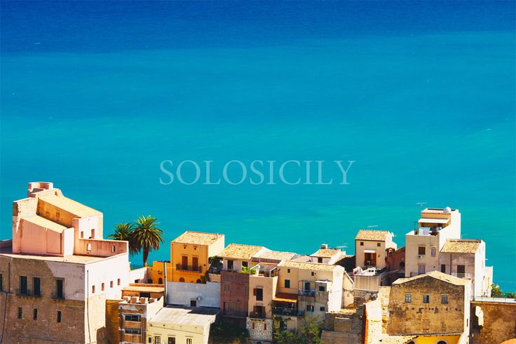Castellammare del Golfo is a charming town with a great atmosphere. #west #Sicily