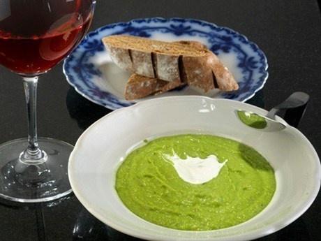 Крем-суп с чесноком и зеленым горошком