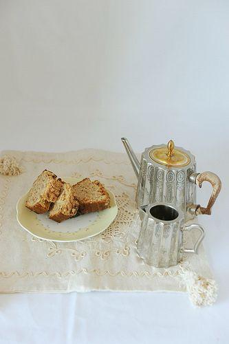 Torta alle Mandorle amare tostate e Agrumi con Crumble al Cocco e Cannella – Un Tè a Downton Abbey #recipe