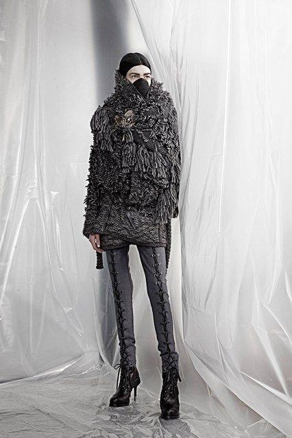 AF Vandevorst - Autumn/Winter 2015-16 Ready-To-Wear - PFW (Vogue.co.uk)