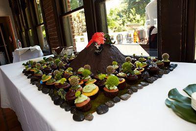 Lindeman Weddings: Dinosaur Wedding