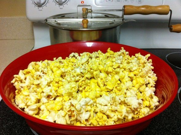 How to make authentic, Movie Theater style popcorn at home.  It's so easy.  Throw that microwave stuff in the trash where it belongs!