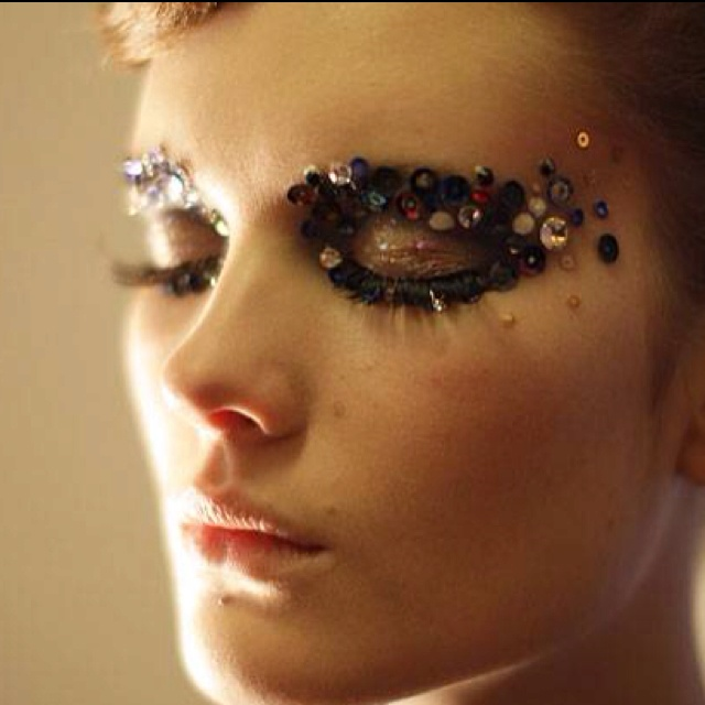 Stunning sparkly eyes by Ole Yde for Copenhagen Fashion week - perfect for a night out x