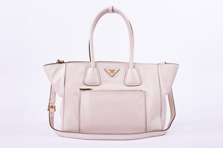 Handtasche von Prada ab 29,90 € / Woche mieten