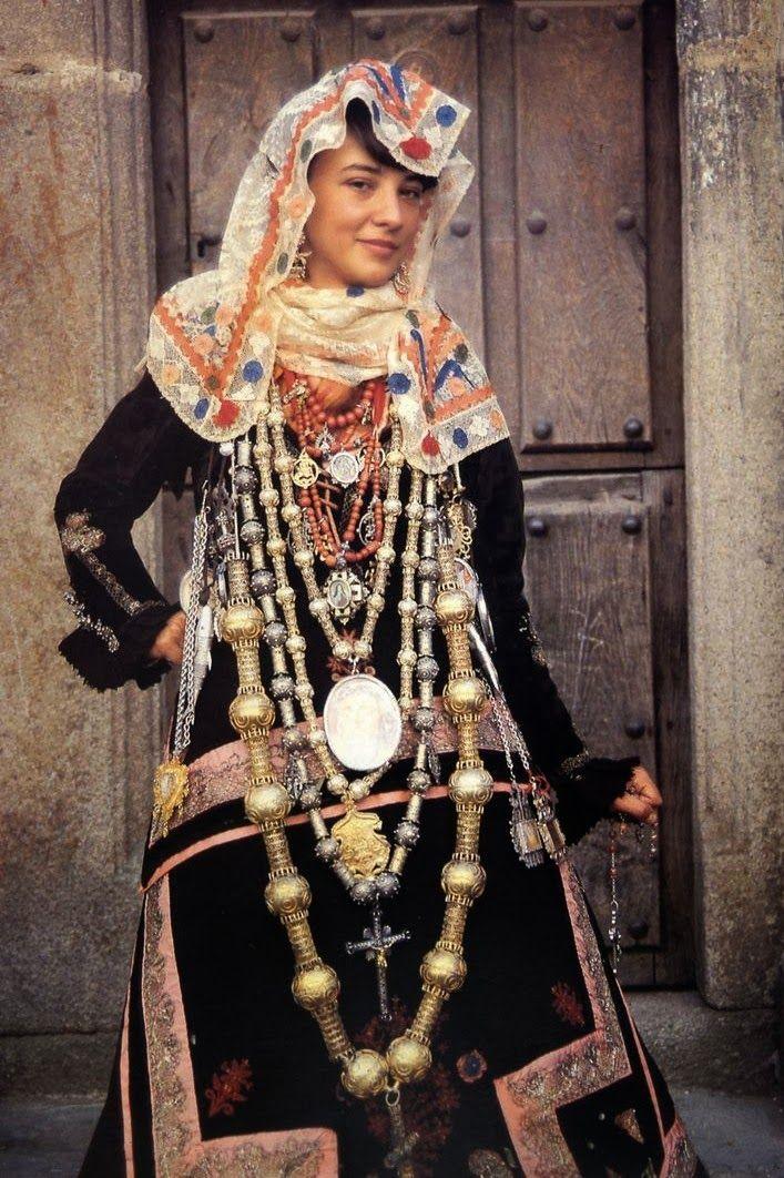 traditional spanish bride