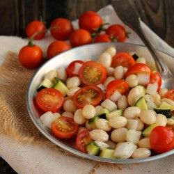 Beans, tomatoes and zucchini salad