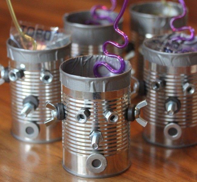 Cómo crear un robot fácilmente reciclando objetos metalicos