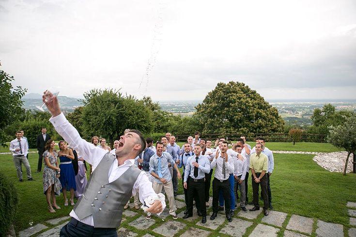 fotografo di matrimonio, lancio giarrettiera