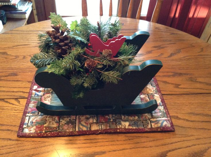 Christmas centerpiece wood crafts pinterest for Pinterest wood crafts for christmas