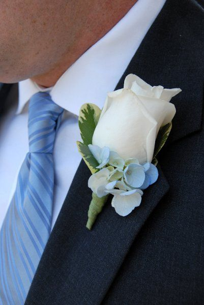 Blue Ivory White Boutonniere Spring Summer Wedding Flowers Photos & Pictures - WeddingWire.com
