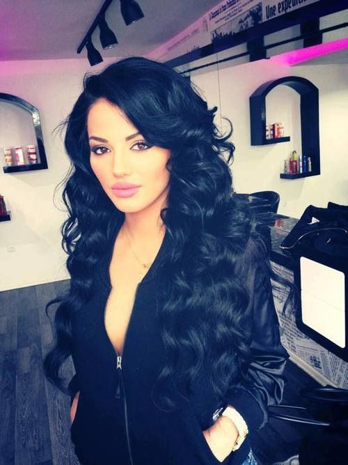 Long curls love this hairstyle