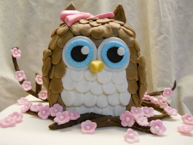 Owl in cherry blossoms - Tyring out a new spice cake recipe
