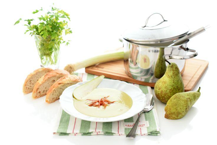 Receta de Crema de puerros y pera con jamón, una sencilla vichysoisse con un toque diferente hecha en Thermomix.