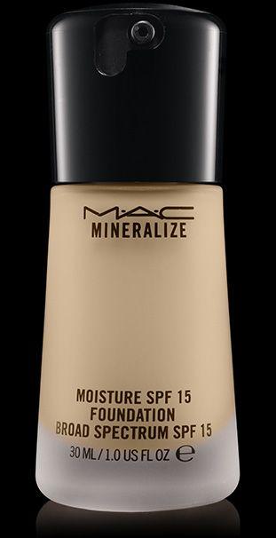 MAC Cosmetics: Mineralize Moisture SPF 15 Foundation in NC15