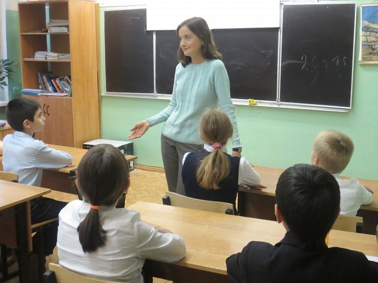 Вера МУРАВЬЕВА: «Педагоги бывают разные...» - http://artmoskovia.ru/vera-muraveva-pedagogi-byivayut-raznyie.html - Ежегодно 5 октября в России отмечается День учителя. В этом, 2015-м году у праздника День учителя 50-летний юбилей. В этот день каждый из нас вспоминает своих учителей, те знания, которы�