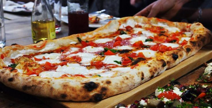 La Pizza is a Neapolitan wood fired authentic Pizzeria in the heart of #DerbyUK, a warm casual friendly place where all the family can enjoy; http://www.visitderby.co.uk/index.php/?cID=4853