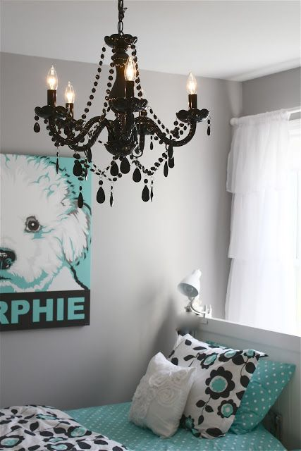 Tween girl bedroom makeover. Awesome colors and great inspiration for lots of DIY projects