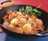 Den här spännande asiatiska woken med pärllök, fläskfilé, ananas och kinakål tillagar du lätt och smidigt. Pärllök från woken passar utmärkt med basmatiris.