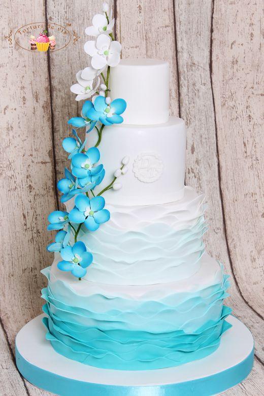 Torturi de vis: Tort de nunta cu ruffles si orhidee albastra