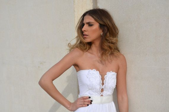 Strapless wedding dress with embroidery by Barzelai