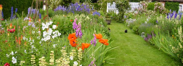 gertrude jekyll gardens | An English garden in summer filled with the soothing colours of ...
