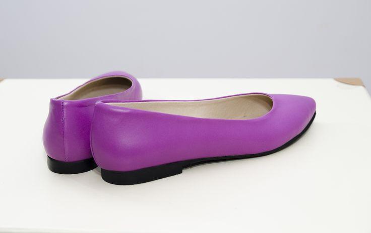"""<p class=""""p1""""><span class=""""s1"""">Balerini stiletto mov Stephanie, din piele naturală atat la exterior, cat si în interior.</span></p>"""