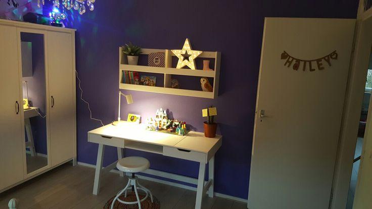 purle girlsroom / paarse kinderkamer