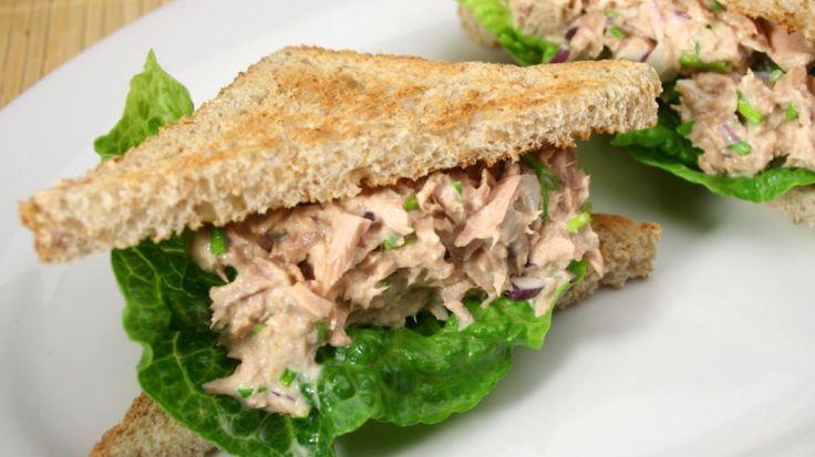 Volkoren brood met tonijnsalade   VTM Koken