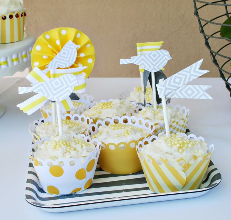 Yellow & Gray Cupcaks?! Delish and so cute!: Shower Ideas, Cupcake Wrappers, Babies, Baby Shower Cupcakes, Parties Ideas, Click Image, Gray Baby Showers, Paper Cups, Cupcakes Wrappers