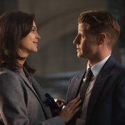 Morena Baccarin and Ben McKenzie in Gotham (2014)