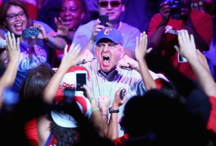 Tech Legend Loses His Mind to Fergie's Surprise Performance