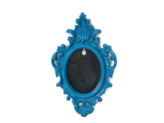 Crazy love for this baroque-style teal picture frame!  Wish I could keep it for myself!